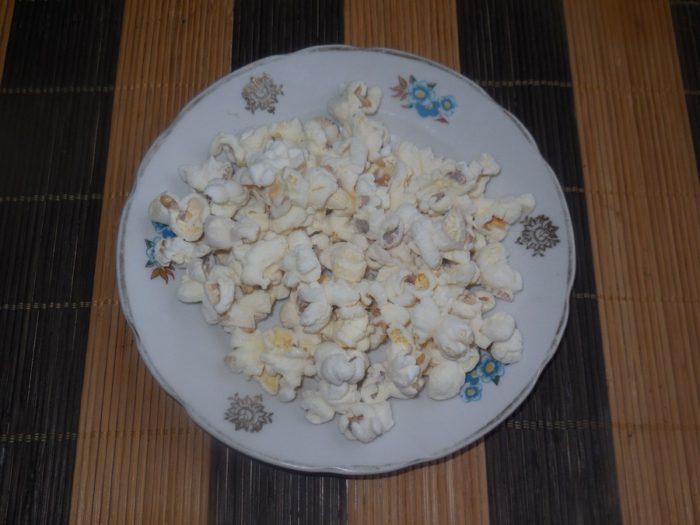 Домашній попкорн на сковороді