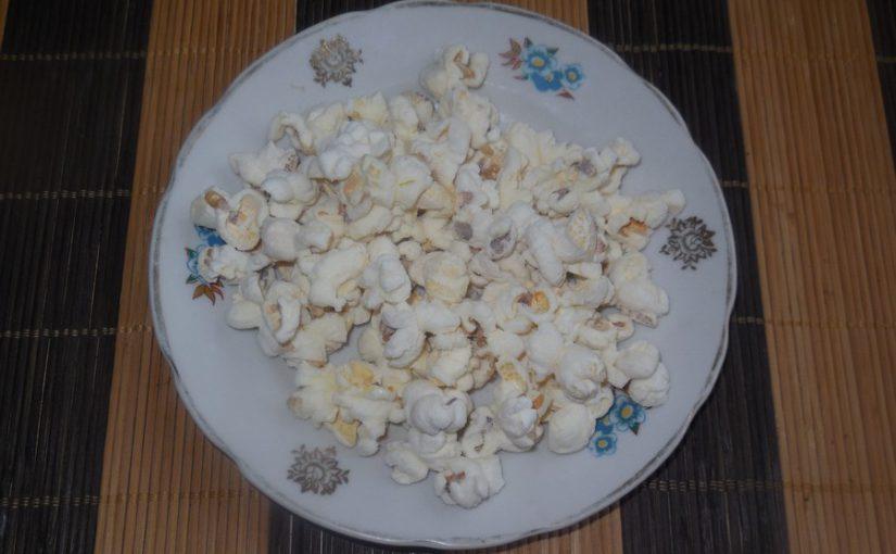 Домашній попкорн на сковороді – дуже смачний та корисний