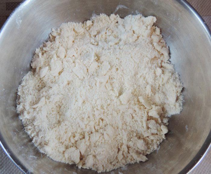 Пісочне дріжджове тісто для пирога, пиріжків, печива або рогаликів