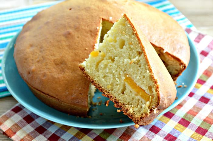 Швидкий заливний абрикосовий пиріг на кефірі
