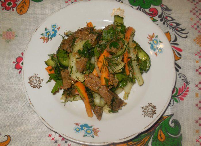 Маринована яловичина по-корейськи – смачний корейськи салат з м'ясом і овочами