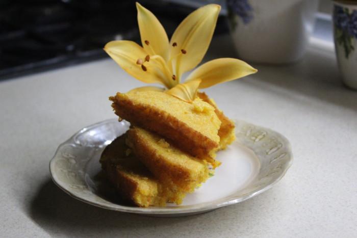 Смачний морквяно-апельсиновий кекс в духовці – простий, швидкий та красивий десерт