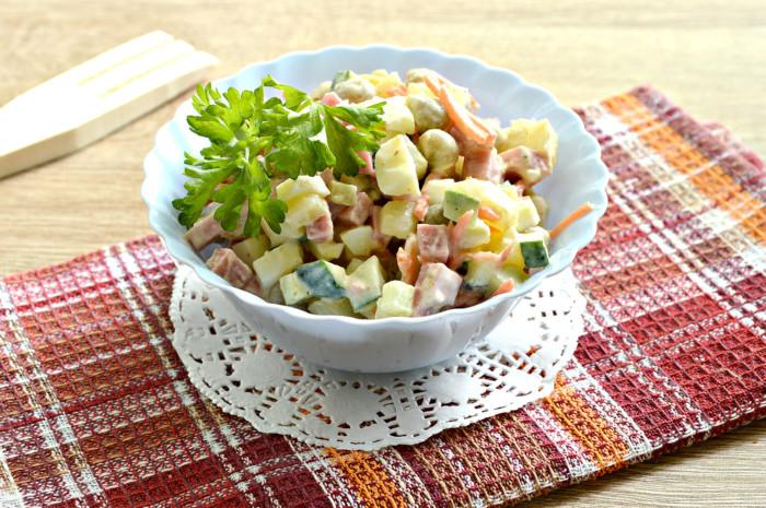 Олів'є з корейською морквою і свіжим огірком – оригінальний і смачний салат