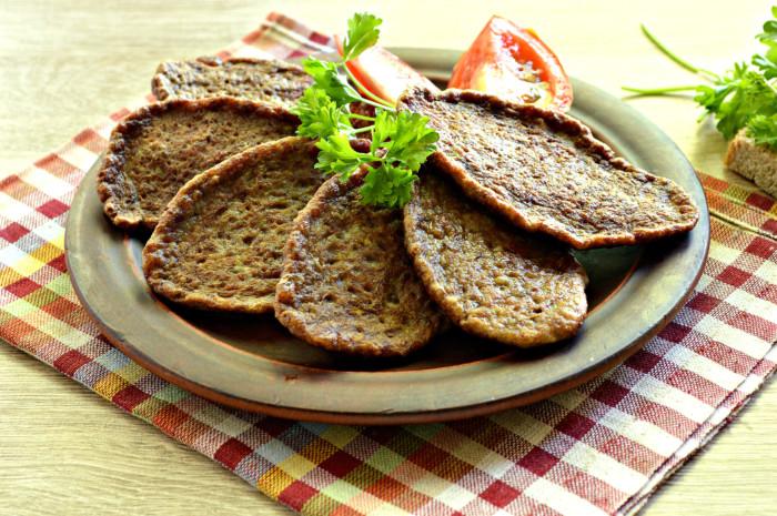 Печінкові оладки з кабачком – з курячої печінки