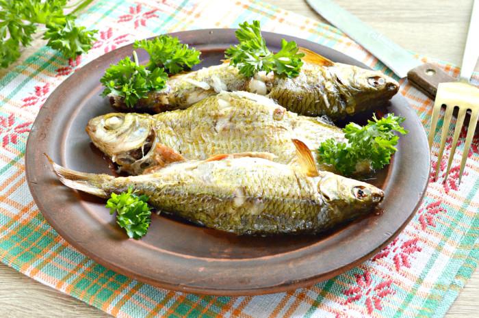 Дрібна річкова риба в духовці у фользі – смачно і просто