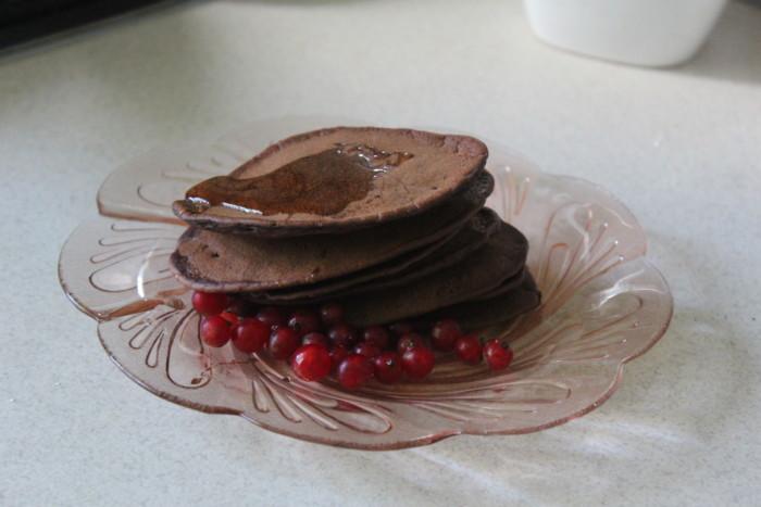 Шоколадні оладки на кефірі – смачний швидкий десерт