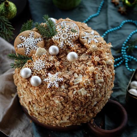 Торт Наполеон новорічний - класичний десерт та закусочний варіант
