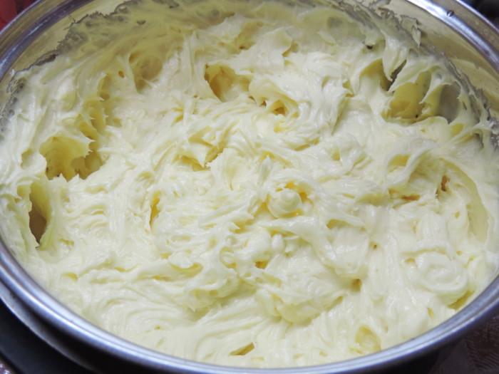 Заварний крем на жовтках - найкращий рецепт крема для Наполеона
