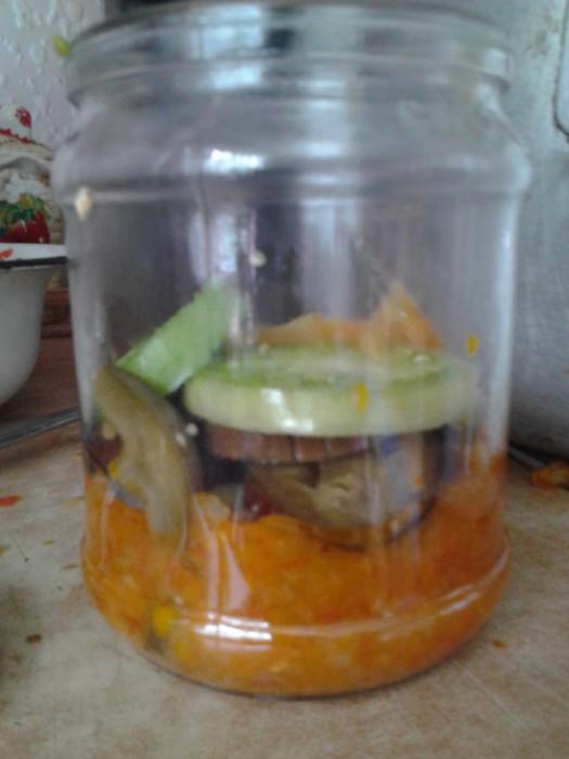 Зимовий салат з баклажанами і зеленими помідорами