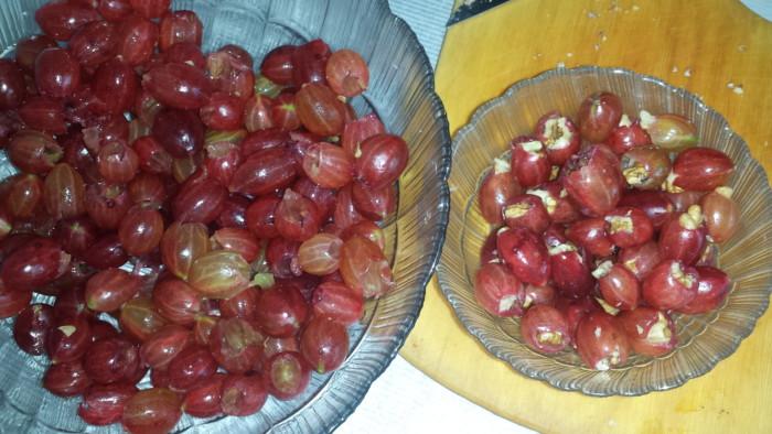 Царське варення з агрусу з горіхами