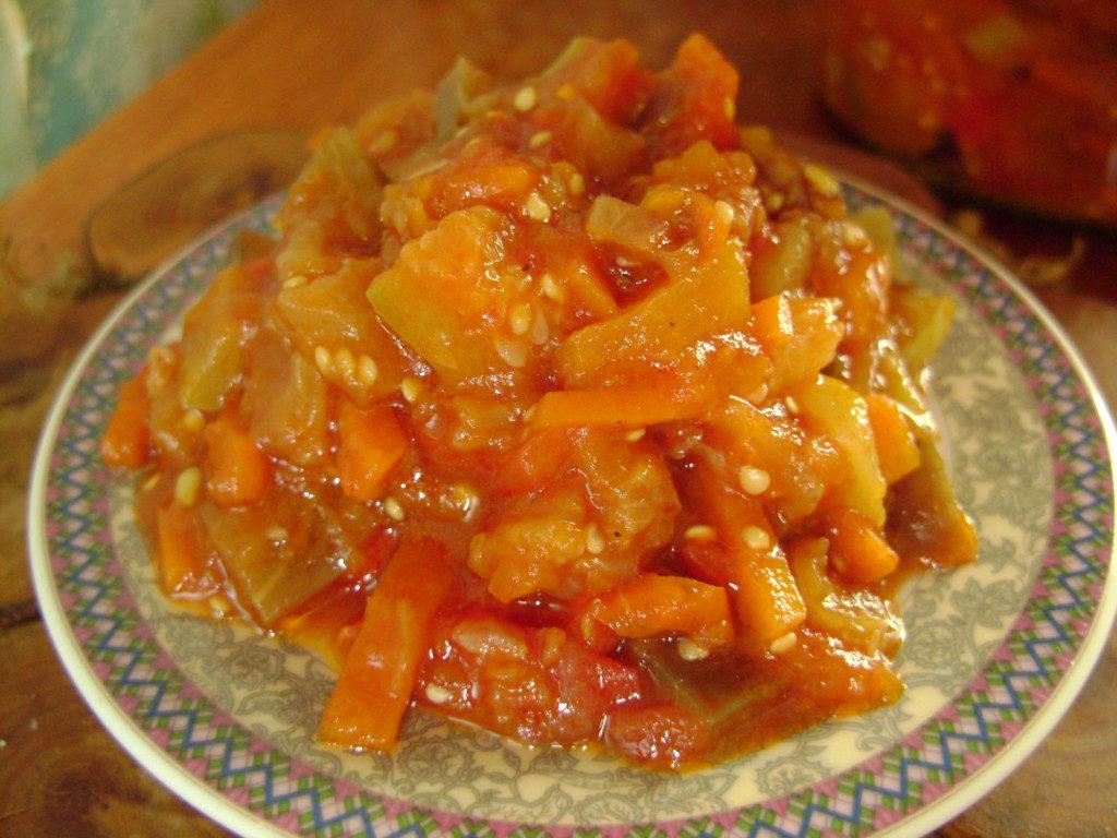 Овочеве рагу з баклажанами і кабачками на зиму