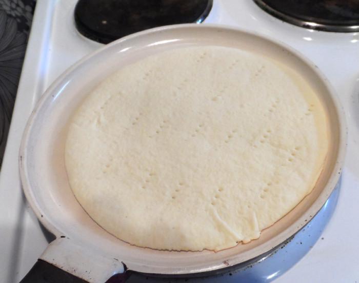 Торт сметанник на сковороді