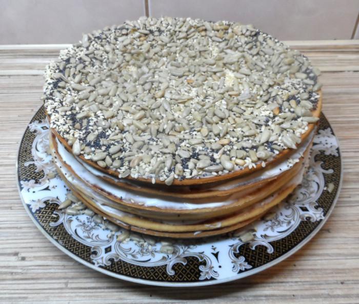 Сметанник на сковороді - низькокалорійний торт