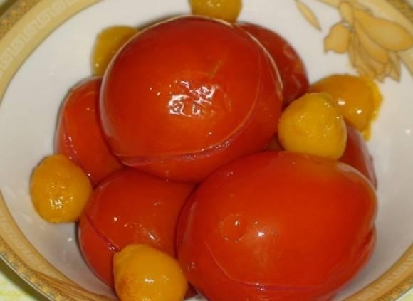 Алича консервована з томатами і часником