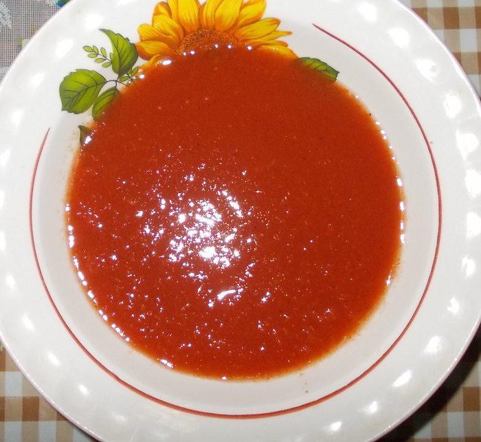 Пікантний томатний соус на зиму