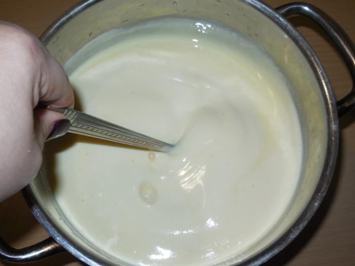 Як приготувати молозиво - смачна запіканка з коров'ячого молока і яєць.