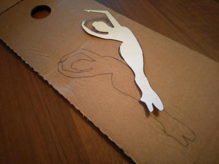 Сніжинка-балерина з пап'є-маше своїми руками