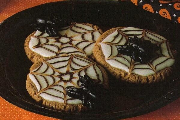 Печиво Павутинка або Лігво павука - смачна страшна випічка на Хелловін