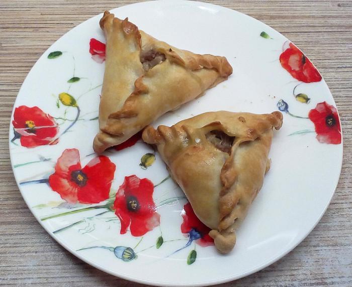 Ечпочмак на кефірі - пиріжки трикутної форми з м'ясом і картоплею