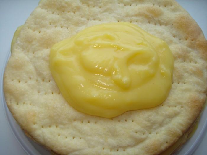 Ванільний заварний крем на молоці для торта