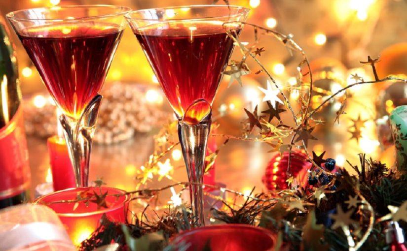 Новорічні напої і алкогольні та безалкогольні коктейлі - які напої пити на Новий рік