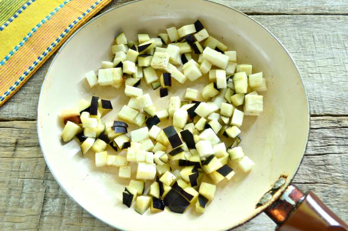 Овочеве рагу з баклажанами і м'ясом