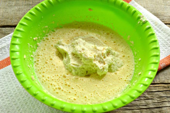 Лимонний пиріг на манки і кефірі в формі кексу