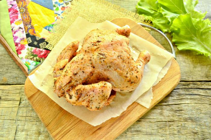 Курча запечений в рукаві цілком