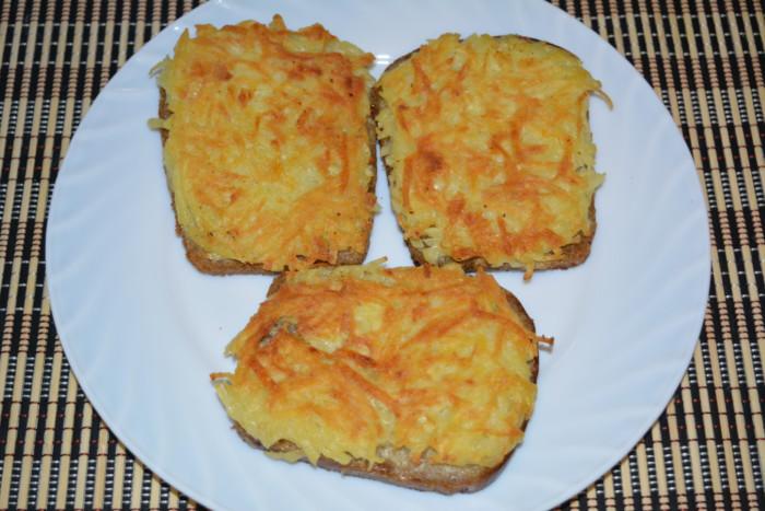 Гарячі бутерброди з картоплею