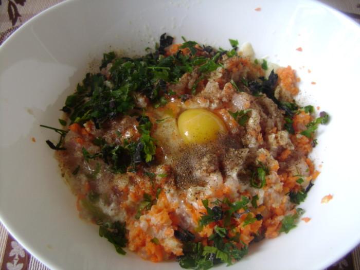Курячі котлети з морквою