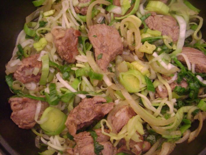 Угорський суп-гуляш з яловичини з овочами