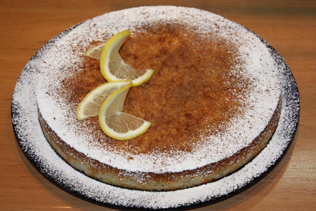 Сирна запіканка з лимоном і виноградом