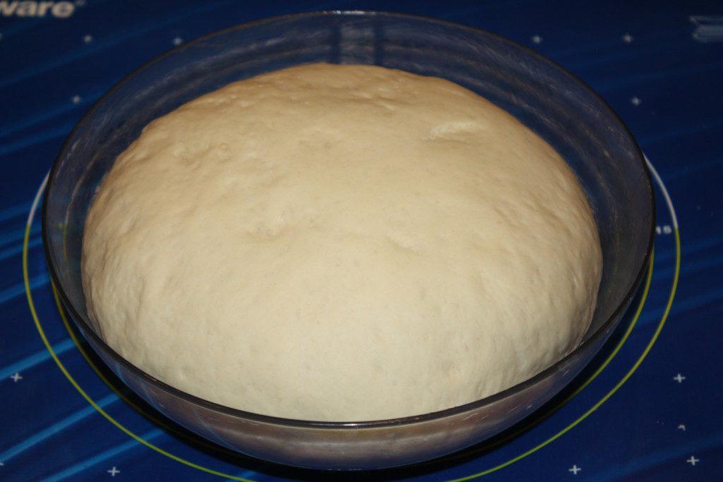 Готове дріжджове тісто для вуличок