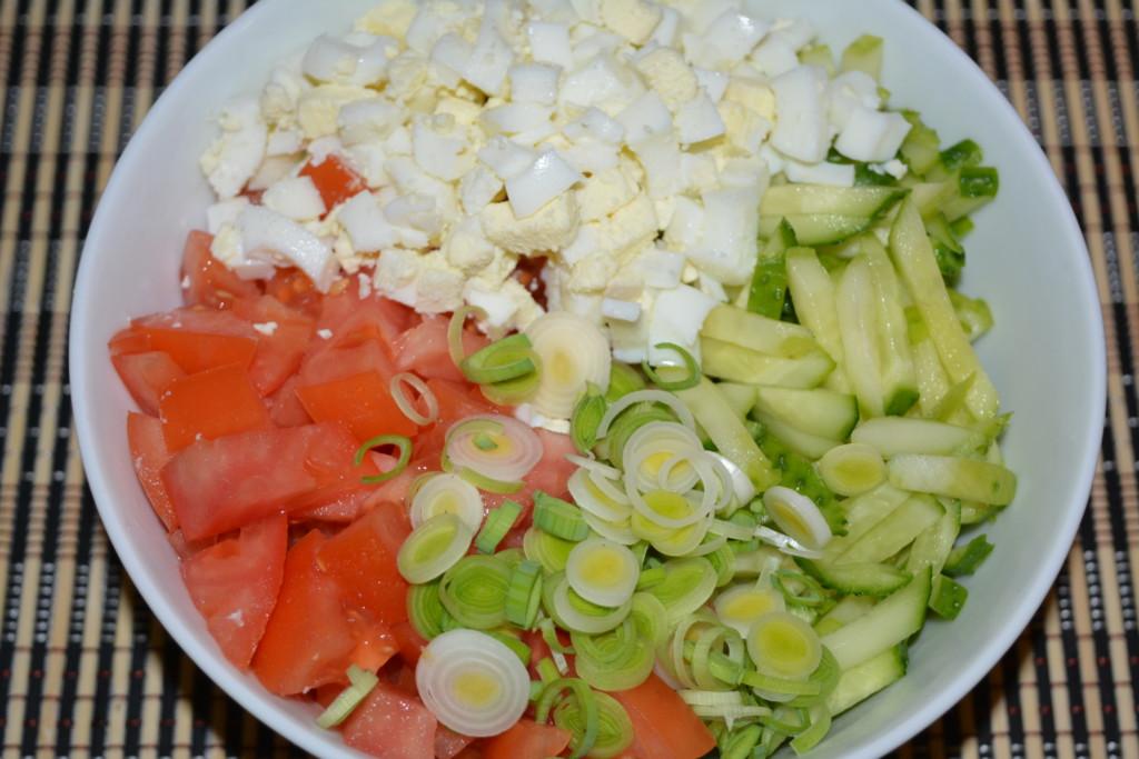 Овочевий салат зі свіжих огірків і помідорів