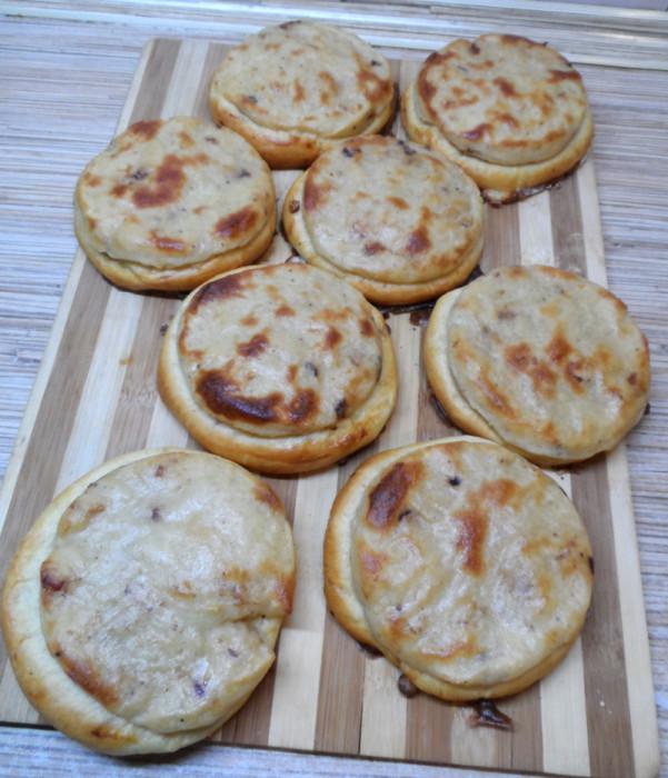 Шаньги з картоплею з дріжджового тіста