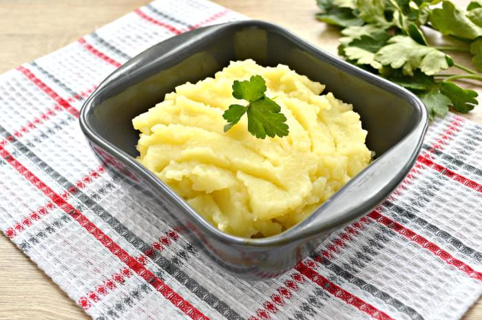 Картопляне пюре на курячому бульйоні