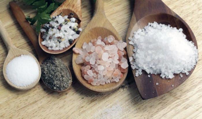 Як зберігати сіль різних видів у домашніх умовах